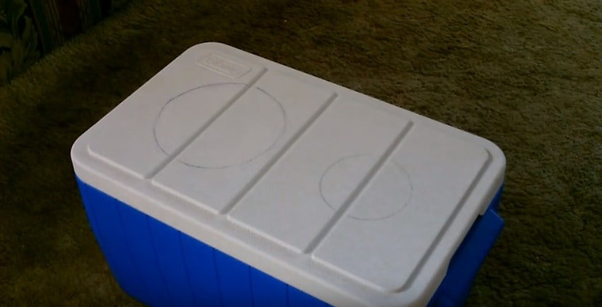 An old ice box cooler