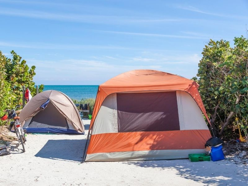tents on the beach in direct sunlight with no UV protection
