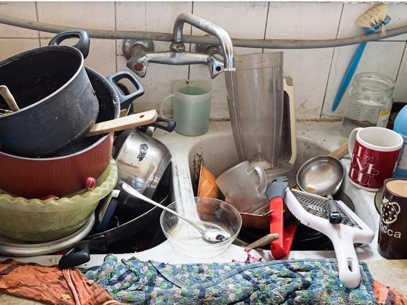 doing dishes after a camping trip is what people hate