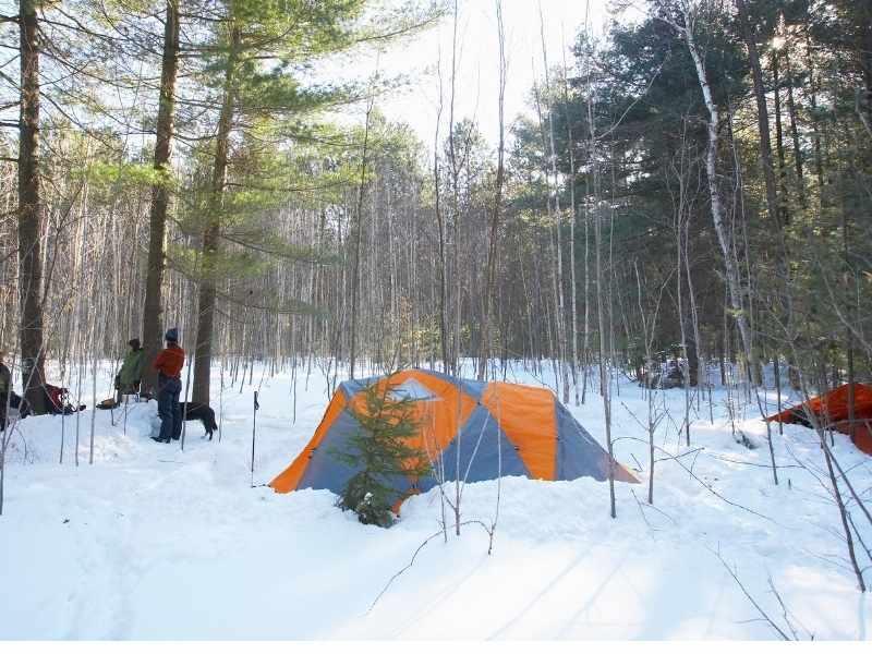 winter camping tips header image